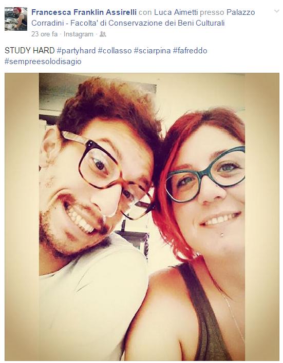 Luca e Francesca in biblioteca